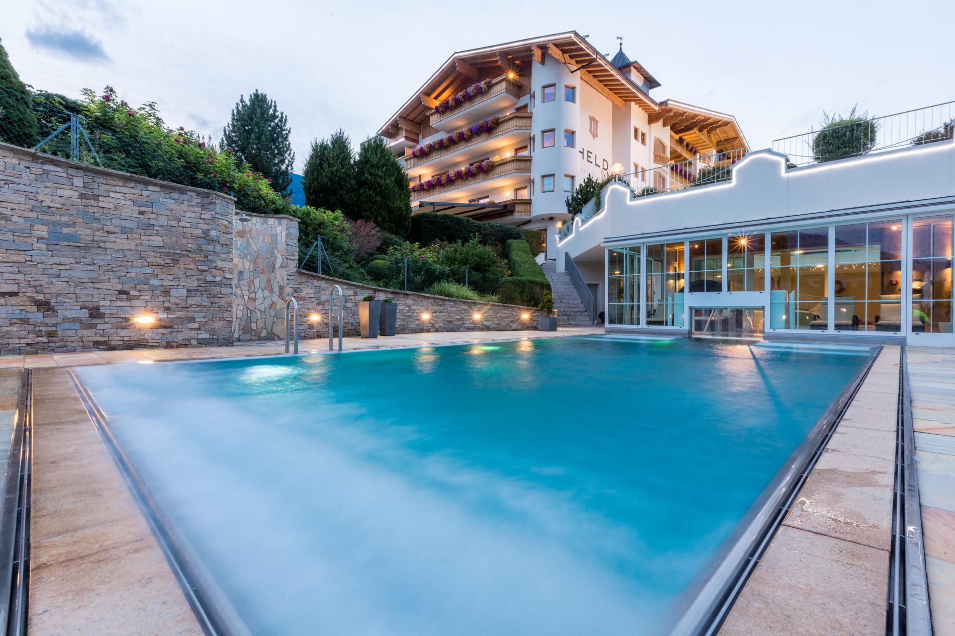 Wellnessbereich hotel zillertal f gen - Whirlpool temperatur sommer ...